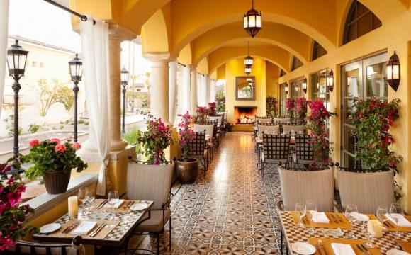 omni-scottsdale-resort-montelucia-prado-patio