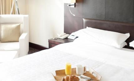 breakfast-in-bed-26488348-2
