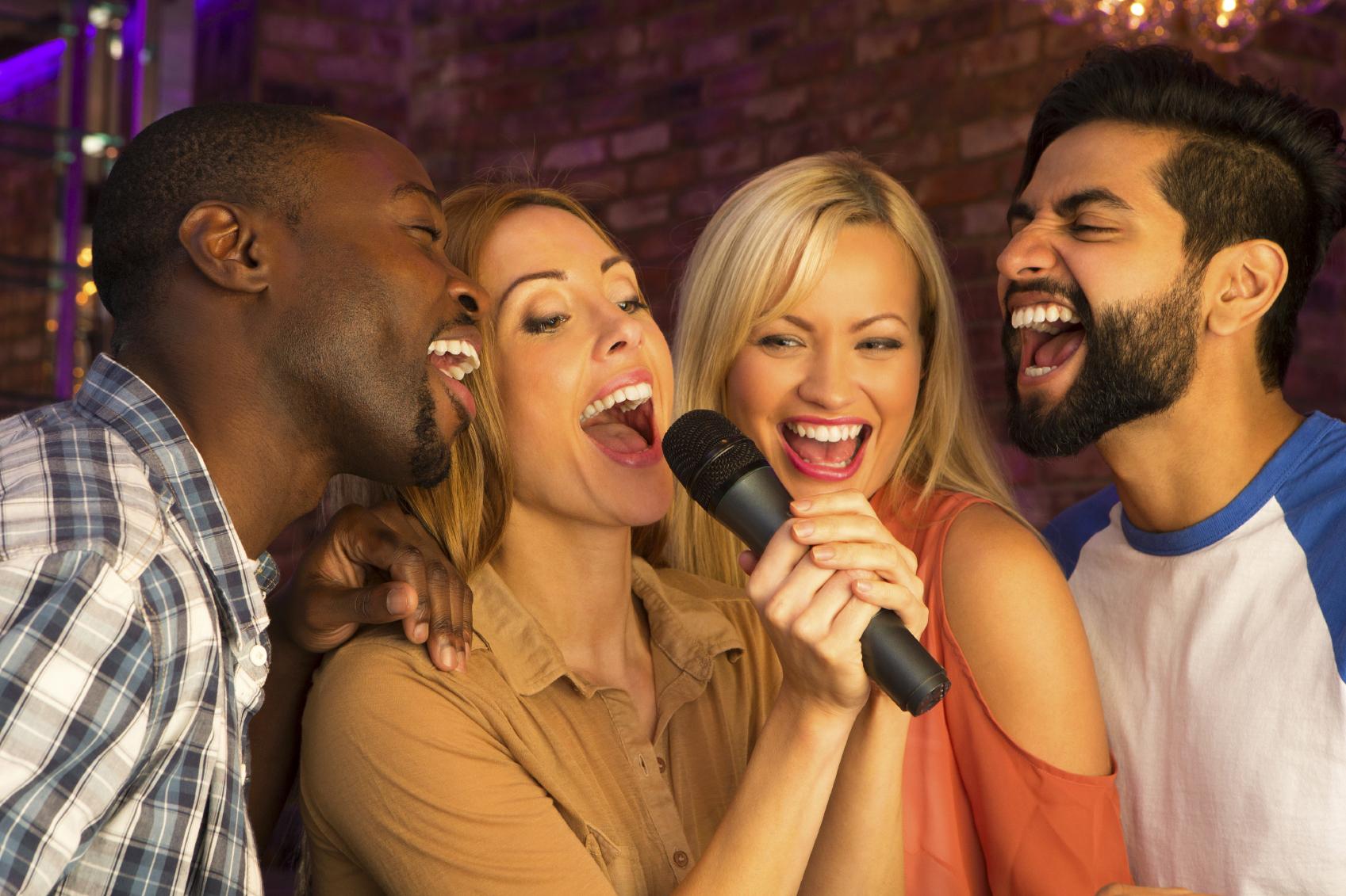 karaoke-32566994