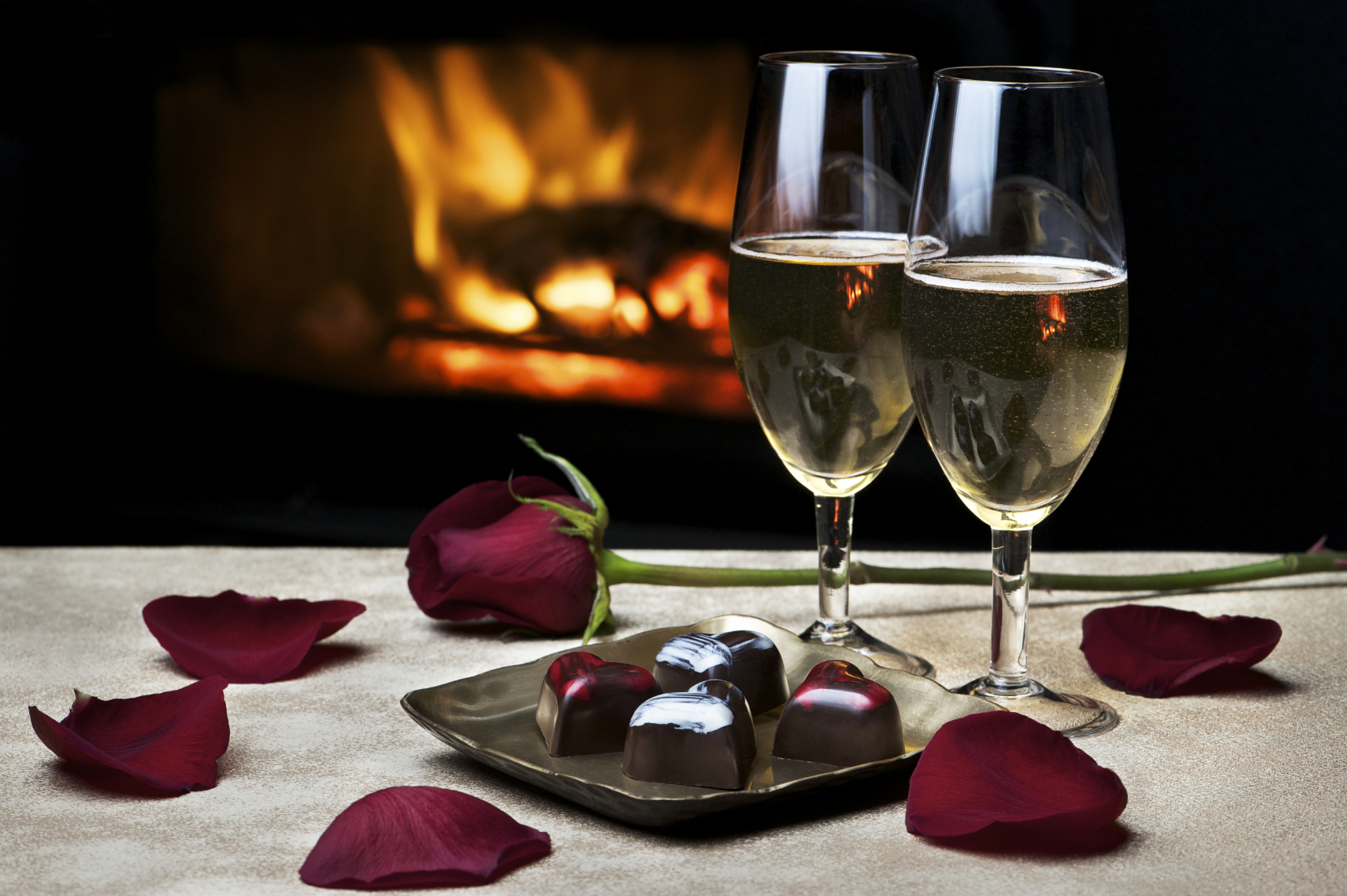 11 romantic cities to rediscover your valentine for Romantic dinner