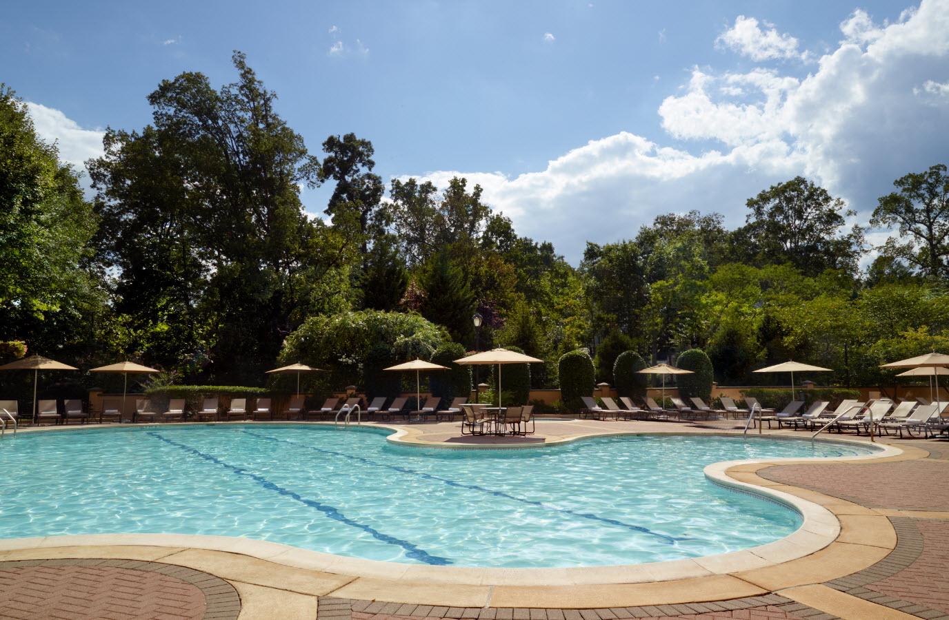 Omni Shoreham Hotel pool