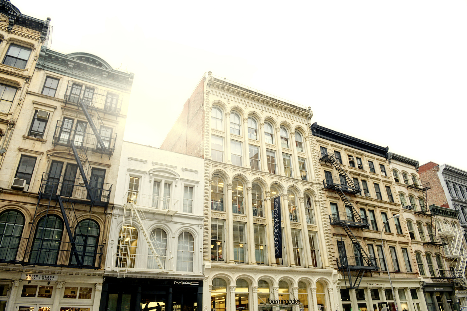 street-buildings-45101304-resize