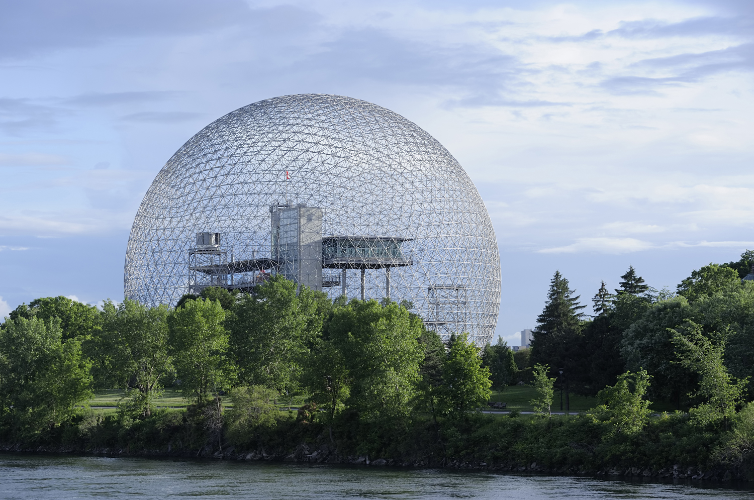 geodesic-dome-9927513-resize