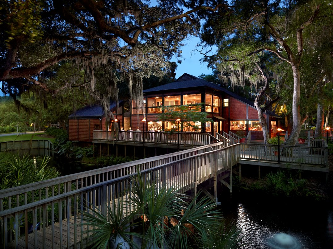 Amelia island christmas tree lighting at amelia island plantation - Of Course Those Who Opt To Go It Alone Will Also Discover Ample Opportunities To Soak Up The Setting You Ll Find Two Really Great Parks On Property