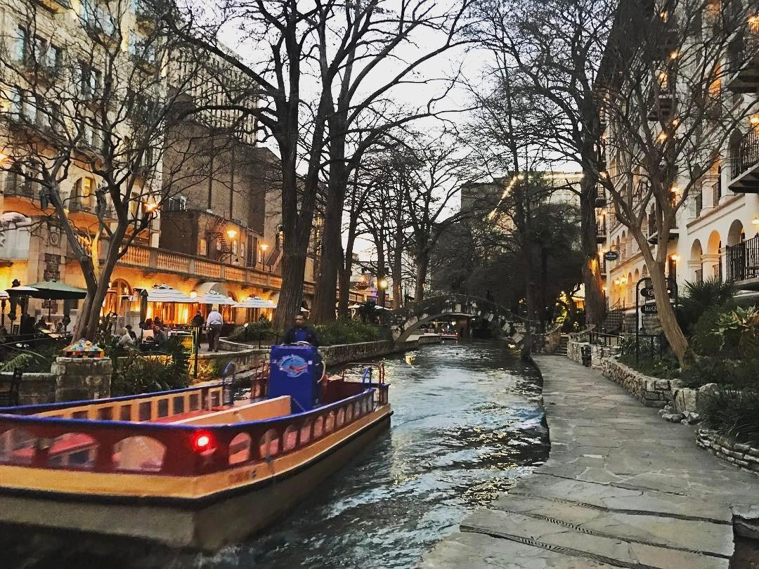 Holiday Dining on the River Walk