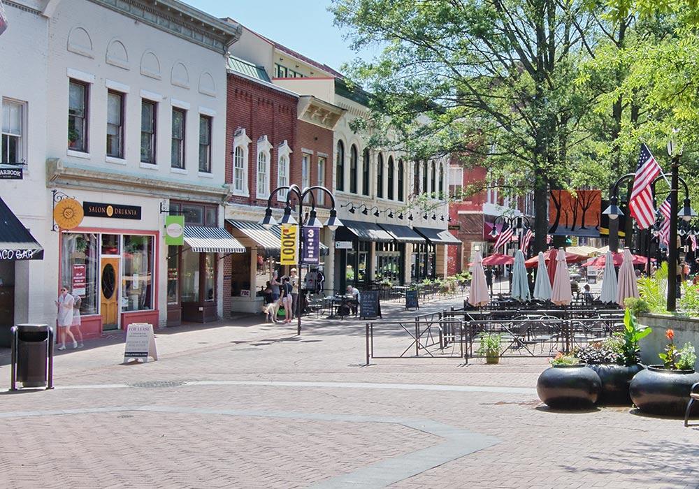 Charlottesville, VA Mall