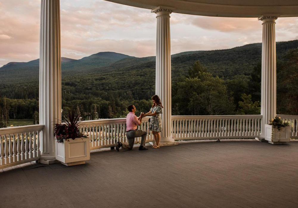 Romantic Moments in New Hampshire