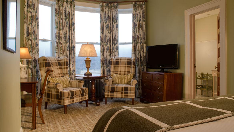 ADA Deluxe Room - 1 King Bed